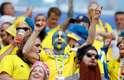 Torcedores da Suécia fazem festa no estádio