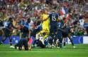 Franceses comemoram o bicampeonato mundial após vitória sobre a Croácia