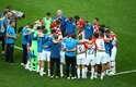 Croatas se reúnem em campo após derrota para a França