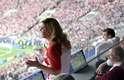 Nas arquibancadas ou na tribuna, a presidente da Croácia também chamou a atenção na Copa por sempre aparecer com a camiseta oficial da seleção