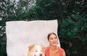 Quase sempre séria nas fotos, a atriz demonstra seu amor a seus animais de estimação