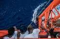 Cerca de 75 pessoas estavam a bordo; 18 foram resgatados
