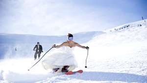 Monte Everest, el lugar más extremo para una boda (FOTOS)