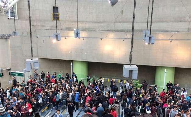 vc repórter: falha gera tumulto na Linha 2 do Metrô de SP
