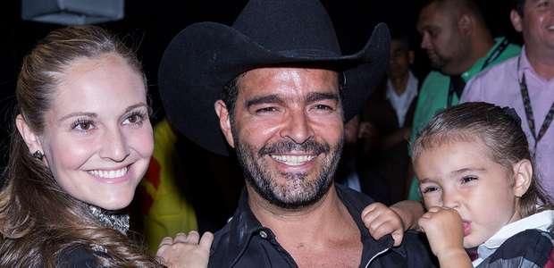Pablo Montero confirma que sí se separa de su esposa