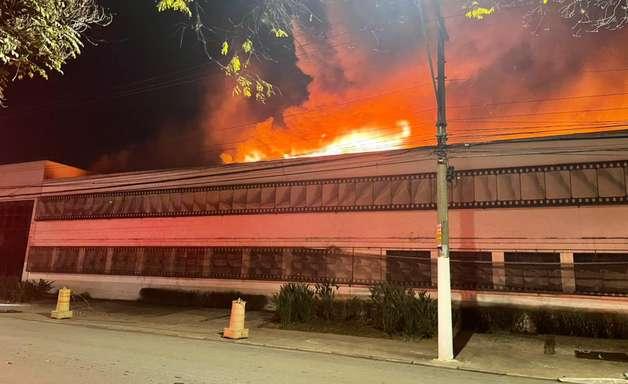 Incêndio atinge galpão da Cinemateca Brasileira em SP