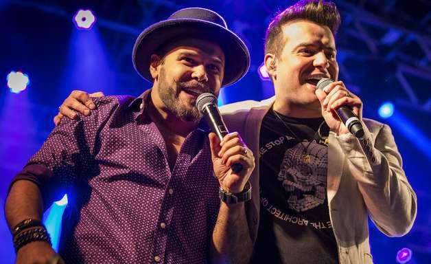 Terra transmite ao vivo show sertanejo de Marcos e Belutti