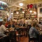Conheça os 10 melhores bares para marcar um happy hour em SP