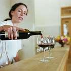 Tips para evitar manchas del vino tinto en labios y dientes