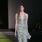 Giorgio Armani presenta en Milán tendencias en agua, ...
