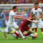 """Herói de 2010, Iniesta acaba """"ilhado"""" em naufrágio espanhol"""