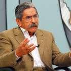 PT é prisioneiro e ambíguo sobre Cunha, diz Olívio Dutra