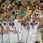 Alemães comemoram 1 ano do tetra e relembram festa no Brasil