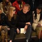 Naomi Campbell se atrasa para desfile da Burberry em Londres