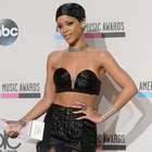 Vota por el look más sexy de Rihanna en bikini