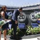 Yankees rinden homenaje a Jorge Posada y retiran su número