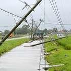 Tufão Goni deixa 20 feridos e cancela 300 voos no Japão