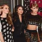 Celebridades deslumbran al llegar a los VMA's 2015