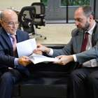 Governo entrega pedido para afastar relator do TCU