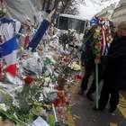 Bachelet rinde homenaje a chilenos fallecidos en París