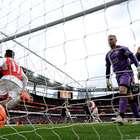¡Al último segundo! Arsenal gana a Leicester y sigue soñando