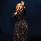 Adele es el nuevo Cupido: los videos que lo confirman