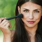 Veja como afinar o nariz com maquiagem
