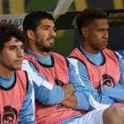 Suárez esmurra banco de reservas em jogo do Uruguai; assista