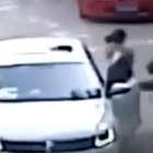 VÍDEO: Tigres matan a una mujer y hieren a otra en un...