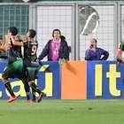 América-MG bate Botafogo, faz 1ª dobradinha e deixa lanterna