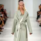 MAISON MARGIELA desfila na semana de moda de Paris Verão ...