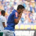 Cruzeiro perde pênalti, para na trave e tropeça na Chape