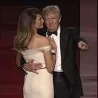 VIDEO: Así fue el primer baile de Trump con Melania, ...