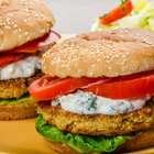 Aprende a preparar una rica hamburguesa de lentejas (VIDEO)