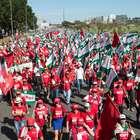 Centrais sindicais param DF contra reforma da Previdência