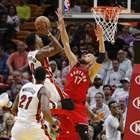 DeRozan anota 40 y Raptors remontan para vencer al Heat