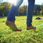 ¿Es bueno para los pies caminar descalzo?
