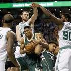 Bucks vencen a Celtics y bajan de la cima