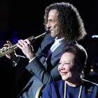 Grandes conciertos en el aire: Kenny G con su saxofón y ...