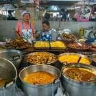 Coletivo de cozinha asiática realiza jantar tailandês em SP