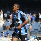 Douglas Costa: Grêmio jogou para não ganhar do Fla em 2009