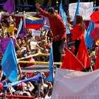 Maduro dança e lança candidatura à reeleição na Venezuela
