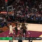 Jogada do dia: LeBron atravessa quadra e dá show com ...