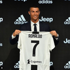 """CR7 é apresentado na Juventus: """"sou diferente de todos"""""""