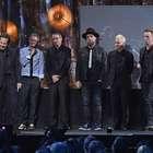 Pearl Jam arrecada R$ 43 milhões para moradores de rua