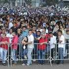 Em fila quilométrica, brasileiros buscam emprego em SP