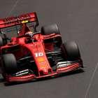 Vettel bate em muro e Leclerc lidera treino em Mônaco