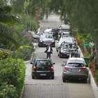 Bolsonaro vai a culto e fiéis são revistados na entrada