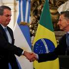 """Com Macri, Bolsonaro diz temer """"novas Venezuelas"""" na região"""