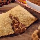 Paçoquita lança pastel de paçoca com doce de leite